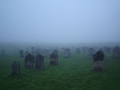 Whitby_Abbey_Graveyard